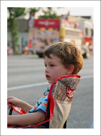 Sean_watching_parade_for_blgo